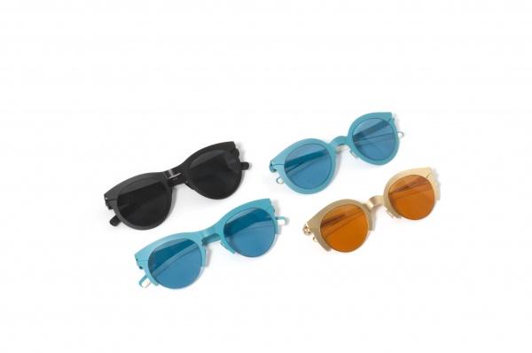 9c4c4e378 Depois de criar os óculos dourados de Sarah Jessica Parker para Sex and The  City 2 – e virar febre entre os fashionistas, Mykita apresenta quatro  modelos de ...