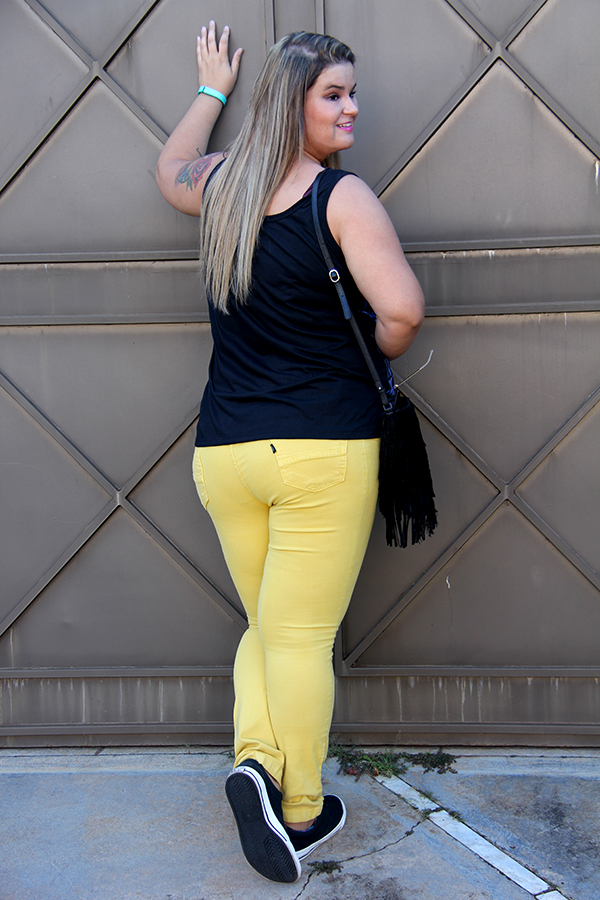 look yellow 7