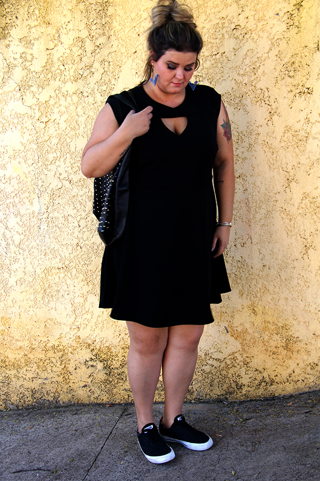 vestido preto plus size 19