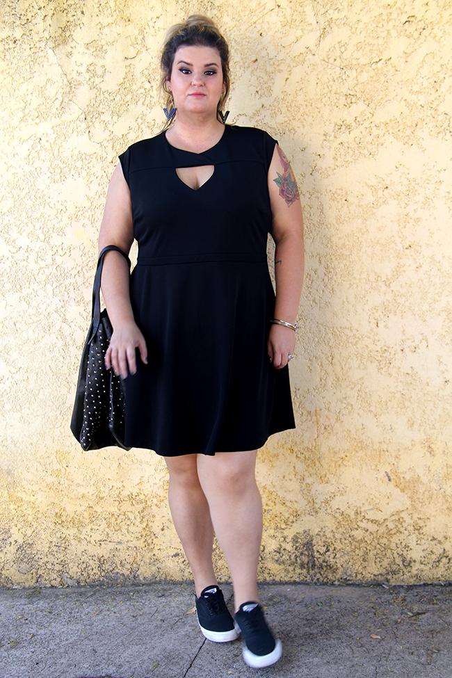 vestido preto plus size 20
