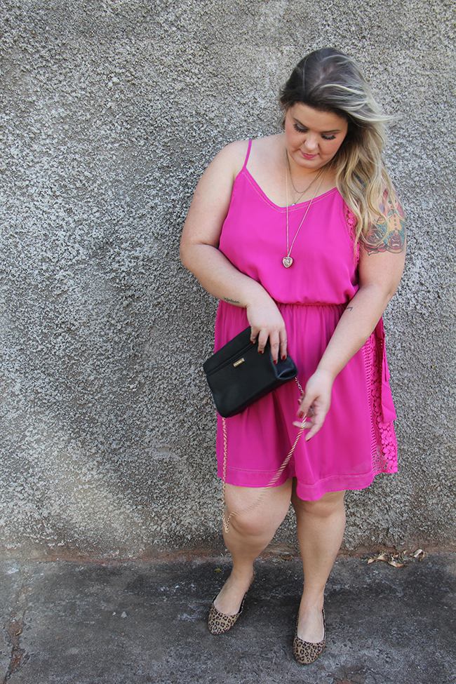 vestido plus size rosa 1 - grandes mulheres
