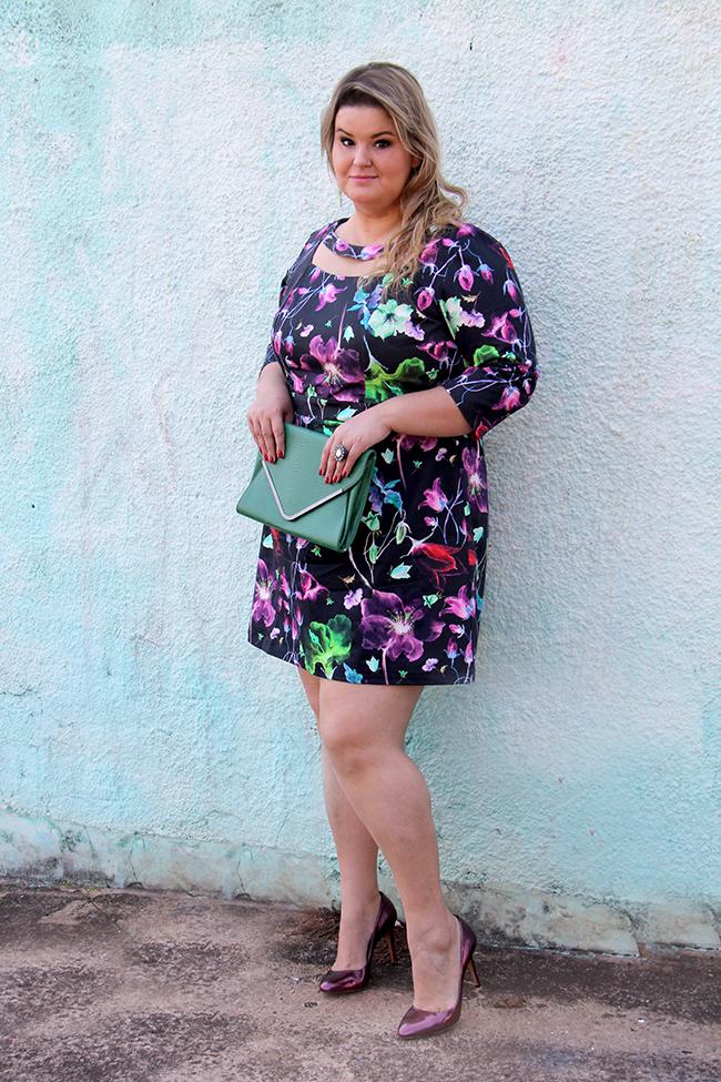 vestido florido plus size cafuza 12 - grandes mulheres