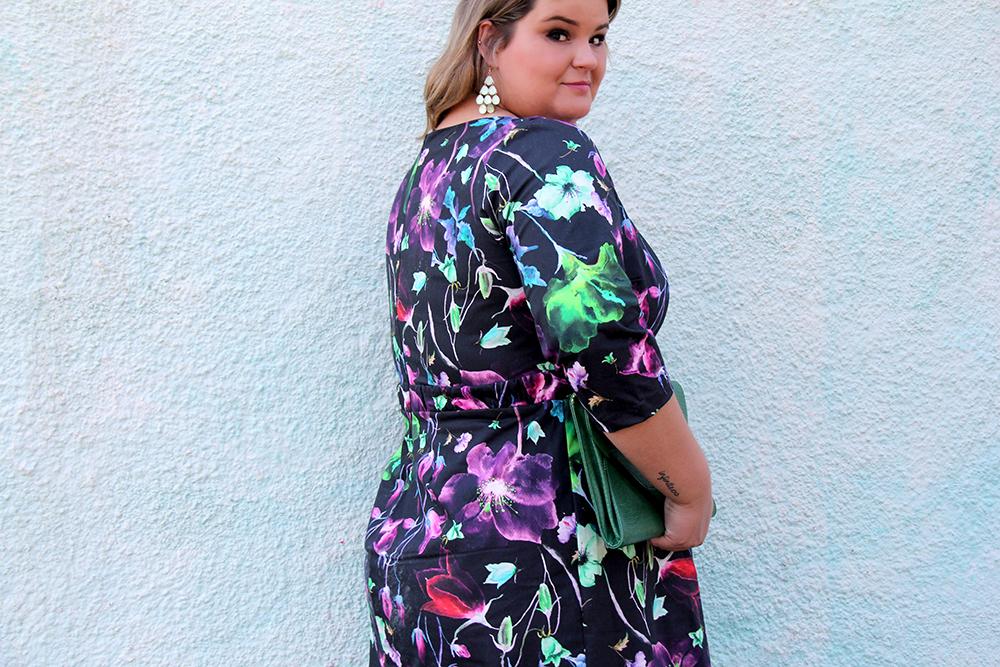 vestido florido plus size cafuza 3 - grandes mulheres
