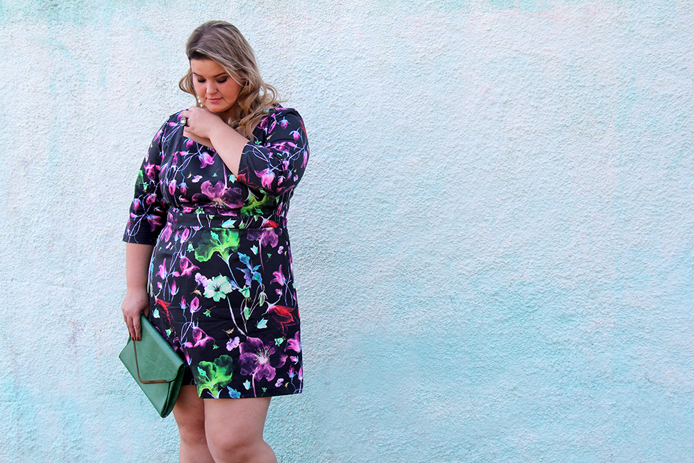 vestido florido plus size cafuza 8 - grandes mulheres