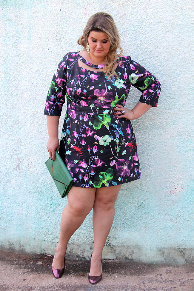 vestido florido plus size cafuza 9 - grandes mulheres