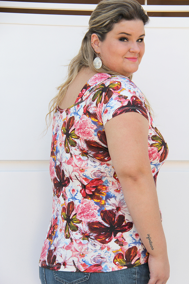 blusa plus size com pérolas 1 - grandes mulheres
