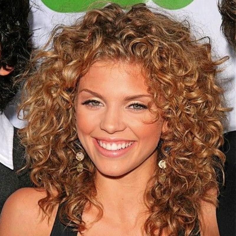 cortes de cabelo para rosto redondo 12 - grandes mulheres