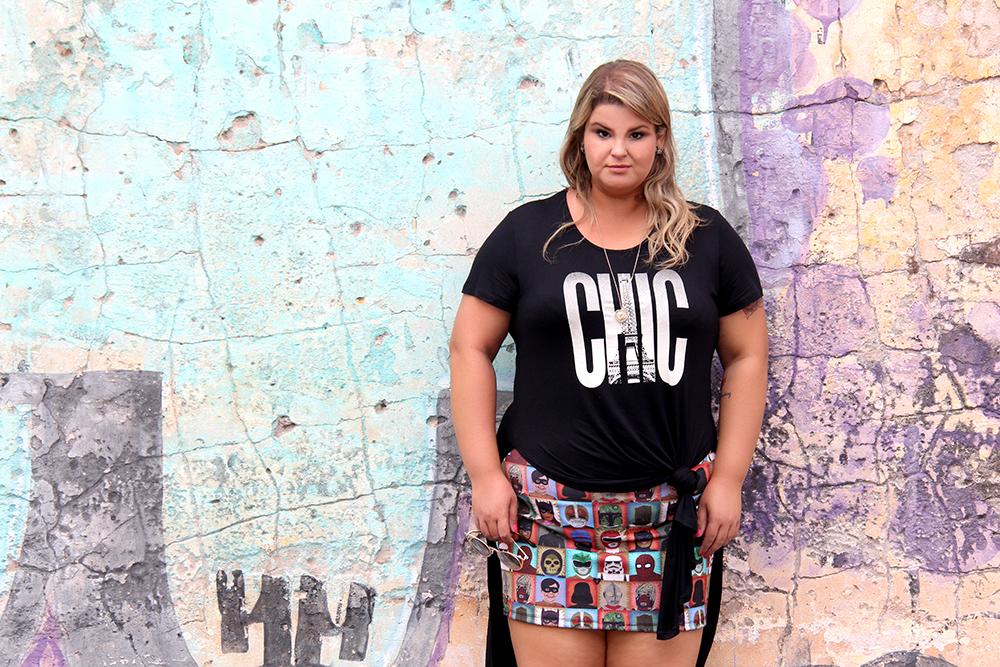 camiseta com fenda plus size 7 - grandes mulheres