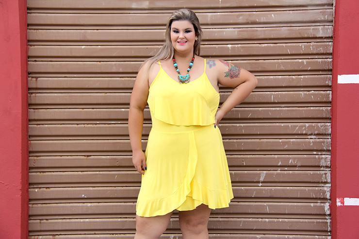 vestido amarelo plus size 2 - grandes mulheres