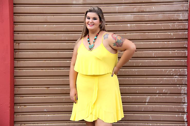 vestido amarelo plus size 3 - grandes mulheres