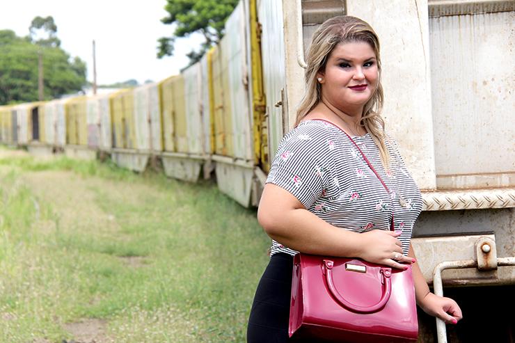 Moda plus size - saia de babado e cropped - grandes mulheres 1