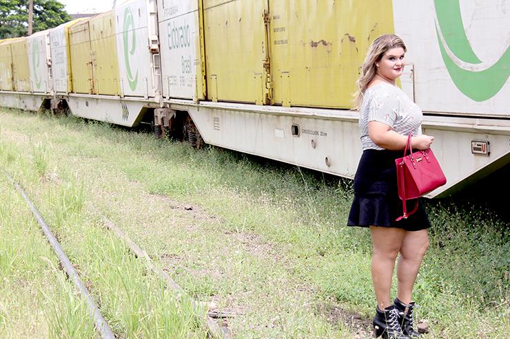 Moda plus size - saia de babado e cropped - grandes mulheres 3