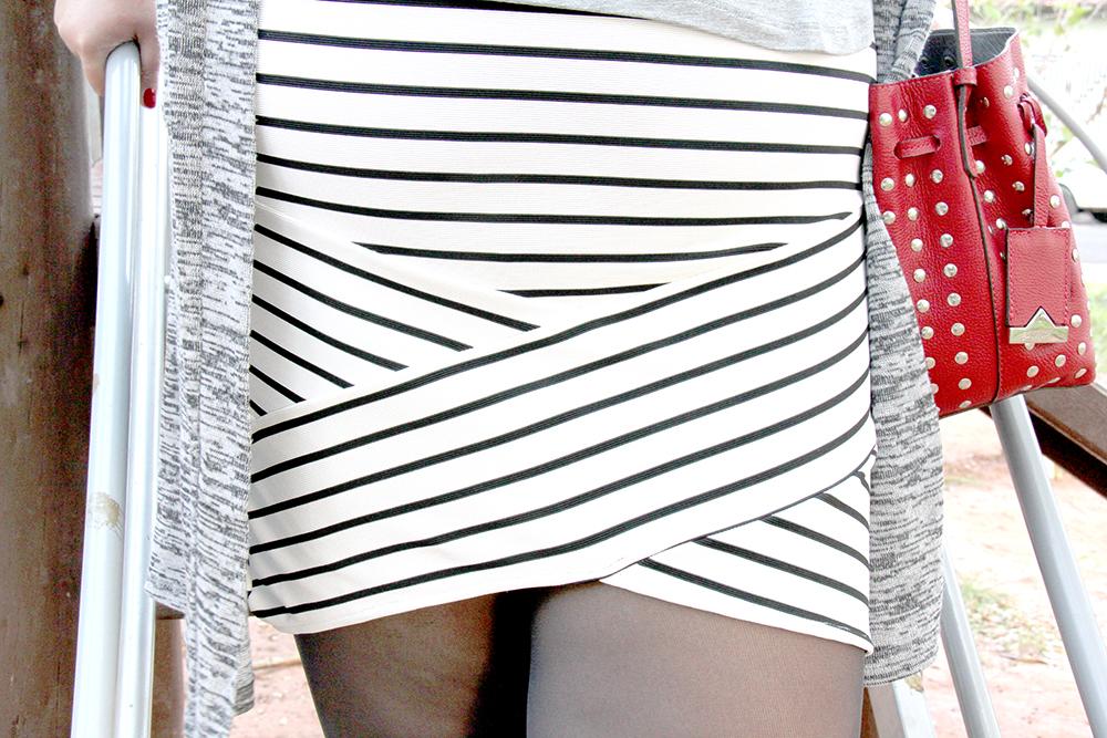 saia bandagem listrada e t-shirt 7 - grandes mulheres - moda plus size