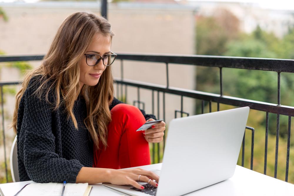 Dicas pra economizar nas compras online - grandes mulheres