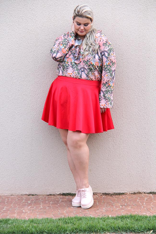Moda plus size - look do dia plus size - blusa romântica estampa raposinhas - grandes mulheres 1