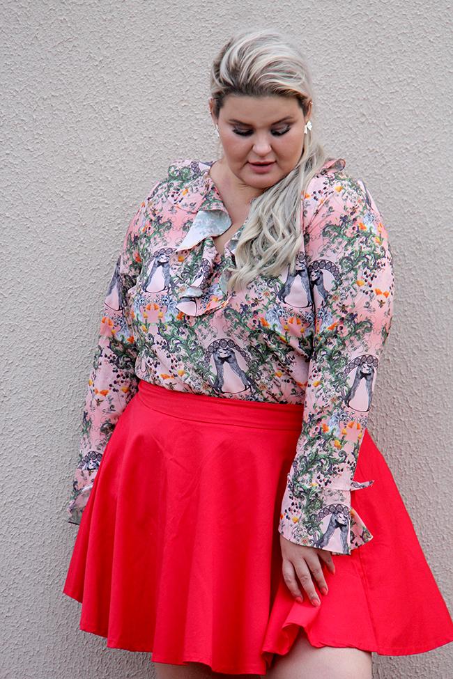 Moda plus size - look do dia plus size - blusa romântica estampa raposinhas - grandes mulheres 4