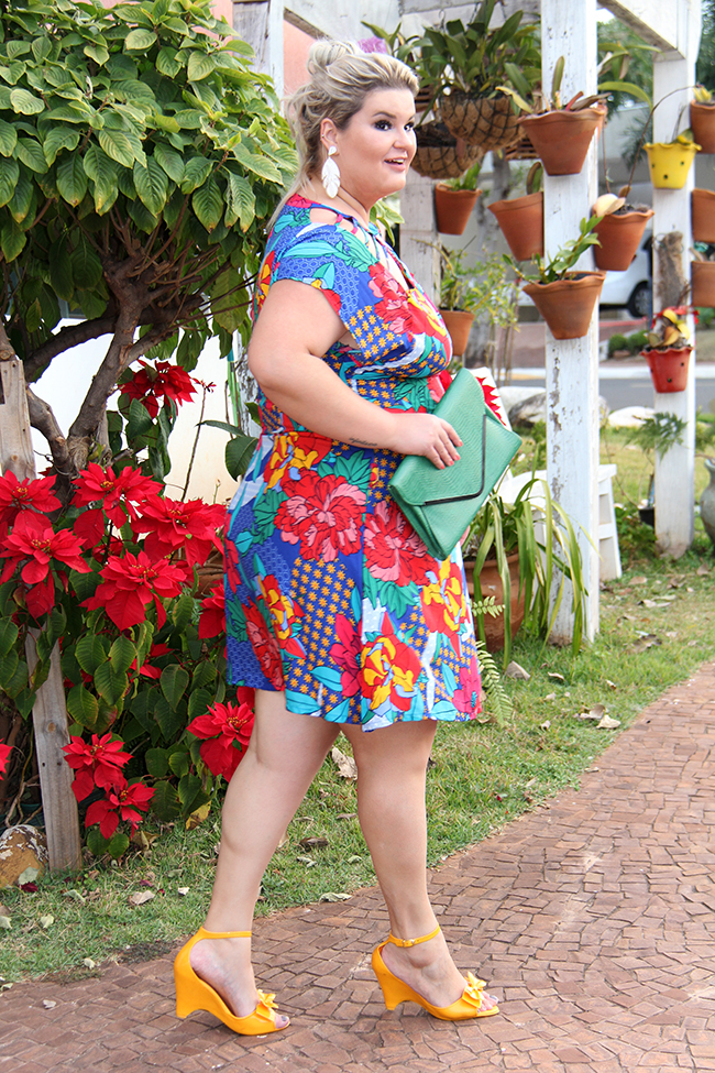 Vestido estampado plus size - Predilects - look plus size - moda plus size - grandes mulheres 3