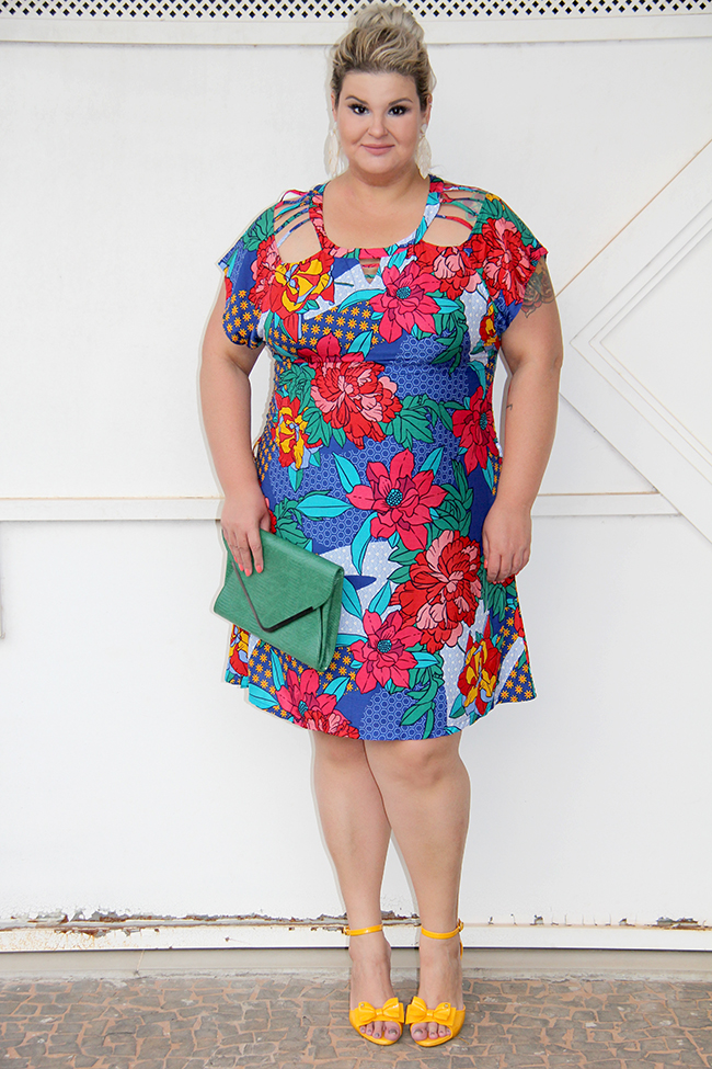 Vestido estampado plus size - Predilects - look plus size - moda plus size - grandes mulheres 9