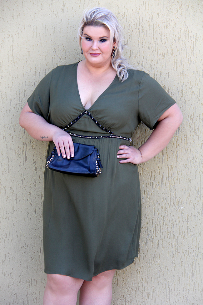 vestido sexy plus size - julia plus - grandes mulheres - moda plus size - look plus size 10