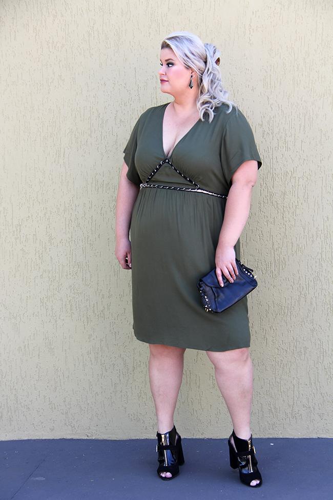 vestido sexy plus size - julia plus - grandes mulheres - moda plus size - look plus size 5