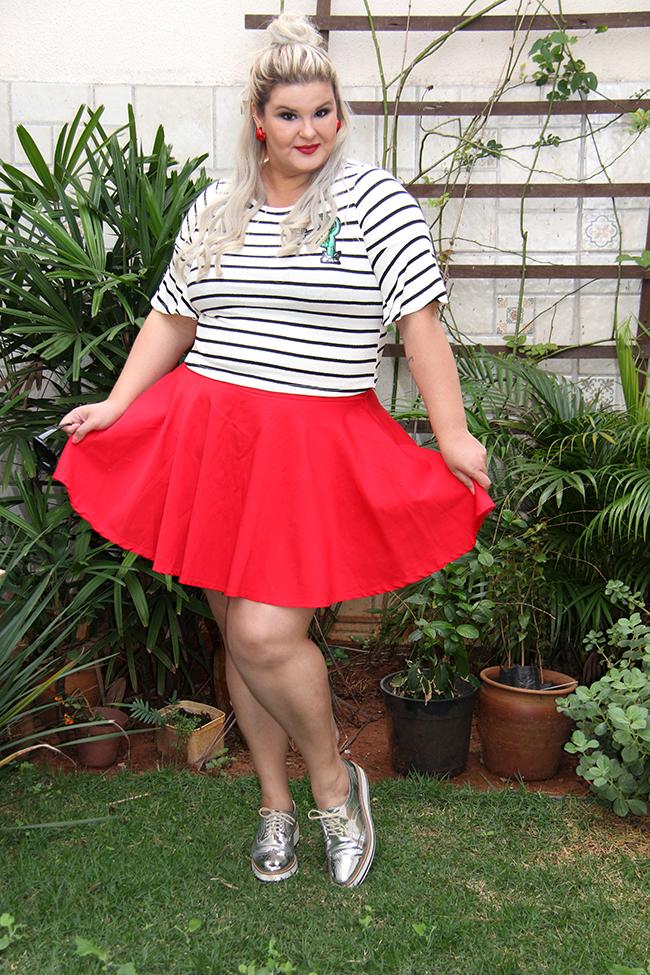 Blusa listrada e saia vermelha - Rouge Marie - moda plus size - plus size - look do dia plus size - grandes mulheres 1