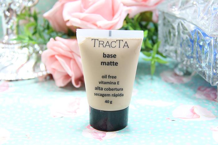 resenha base matte de alta cobertura da tracta - maquiagem - base - grandes mulheres 1