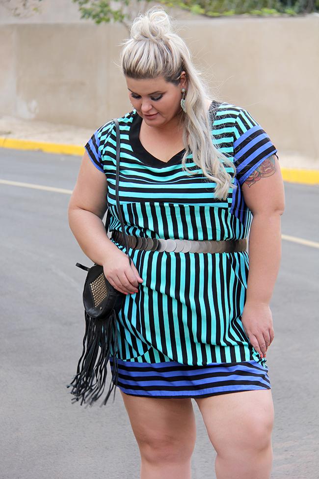 vestido listrado plus size - predilects plus - moda plus size - look plus size - blog grandes mulheres 3