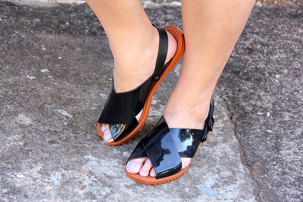 vestido-plus-size-preto-com-patches-xica-vaidosa-moda-plus-size-look-do-dia-plus-size-grandes-mulheres-6