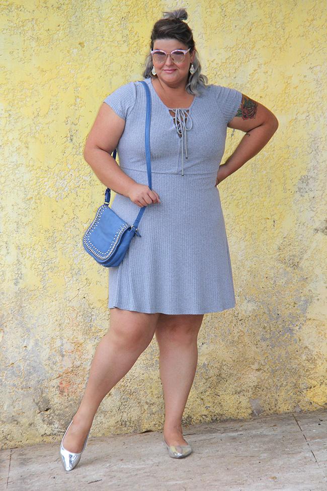 vestido-cinza-plus-size-julia-plus-moda-plus-size-look-plus-size-grandes-mulheres-6