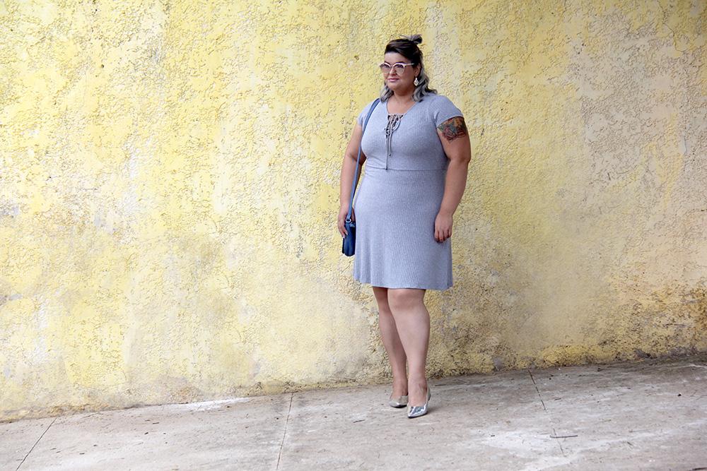 vestido-cinza-plus-size-julia-plus-moda-plus-size-look-plus-size-grandes-mulheres-7