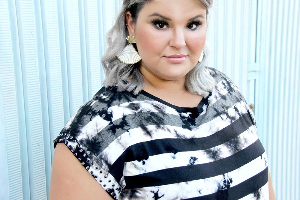 blusa-tie-dye-plus-size-scarlets-look-plus-size-moda-plus-size-grandes-mulheres-1