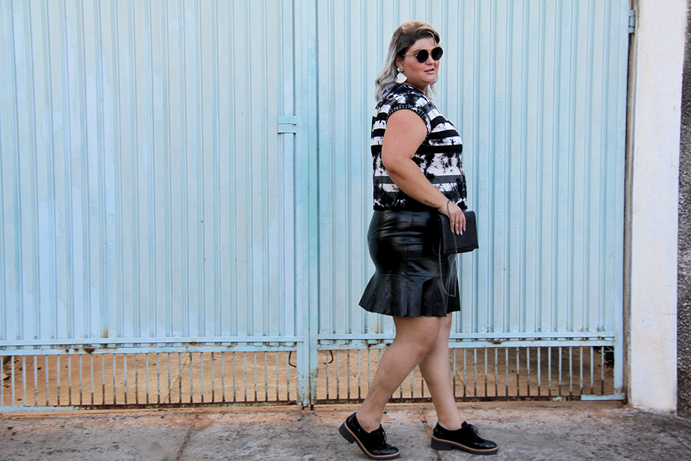 blusa-tie-dye-plus-size-scarlets-look-plus-size-moda-plus-size-grandes-mulheres-6