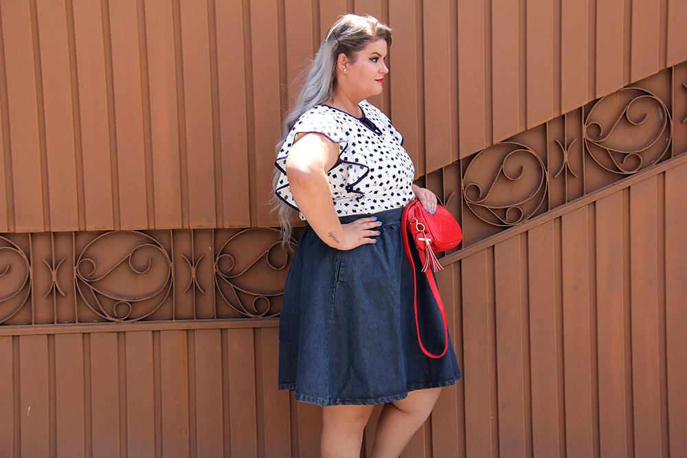 saia-jeans-plus-size-e-blusa-da-sorte-moda-plus-size-look-do-dia-plus-size-moda-para-gordinhas-grandes-mulheres-6