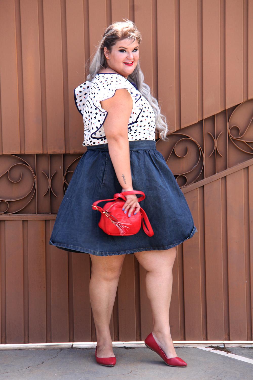 saia-jeans-plus-size-e-blusa-da-sorte-moda-plus-size-look-do-dia-plus-size-moda-para-gordinhas-grandes-mulheres-8