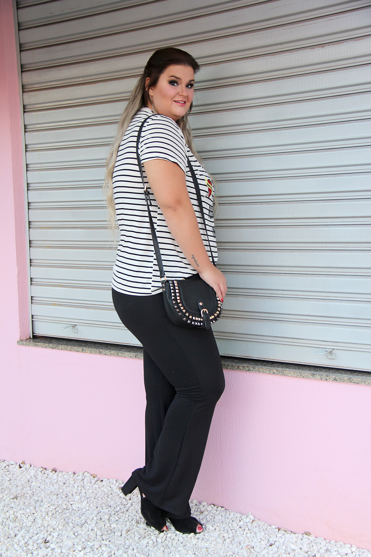 camiseta-com-patches-e-calça-preta-moda-plus-size-miss-masy-grandes-mulheres-moda-plus-size-barata
