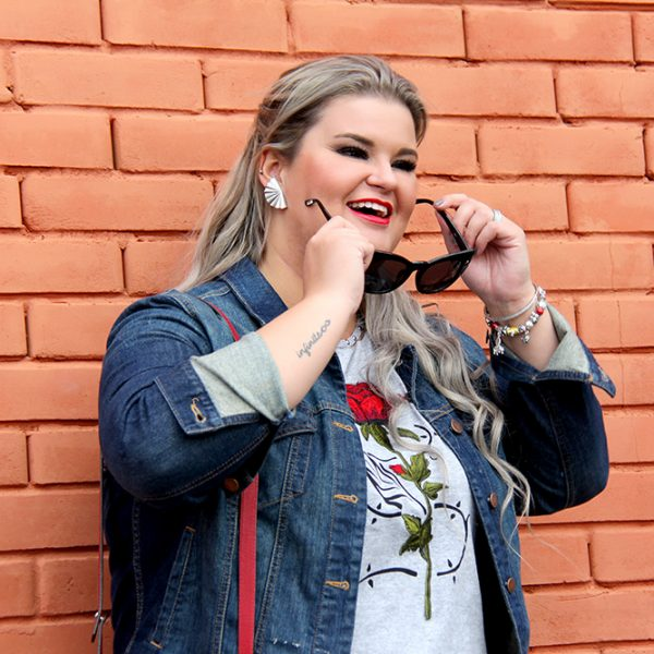 Look do dia gordinha com calça jogging plus size e camiseta, Paula Bastos do Grandes Mulheres, estilo plus size, Rouge Marie