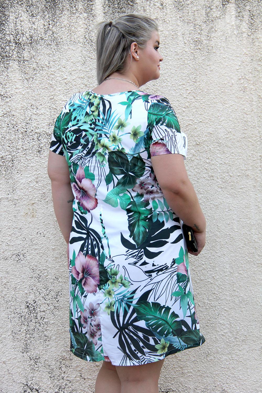 Look do dia com vestido tropical da Predilect's Plus e wallet da Petite Jolie: uma produção arrumadinha para o verão!
