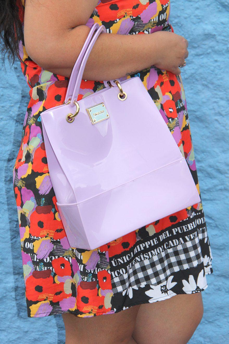 Shopper bag lilás da Petite Jolie acomoda muita coisa dentro e é linda!