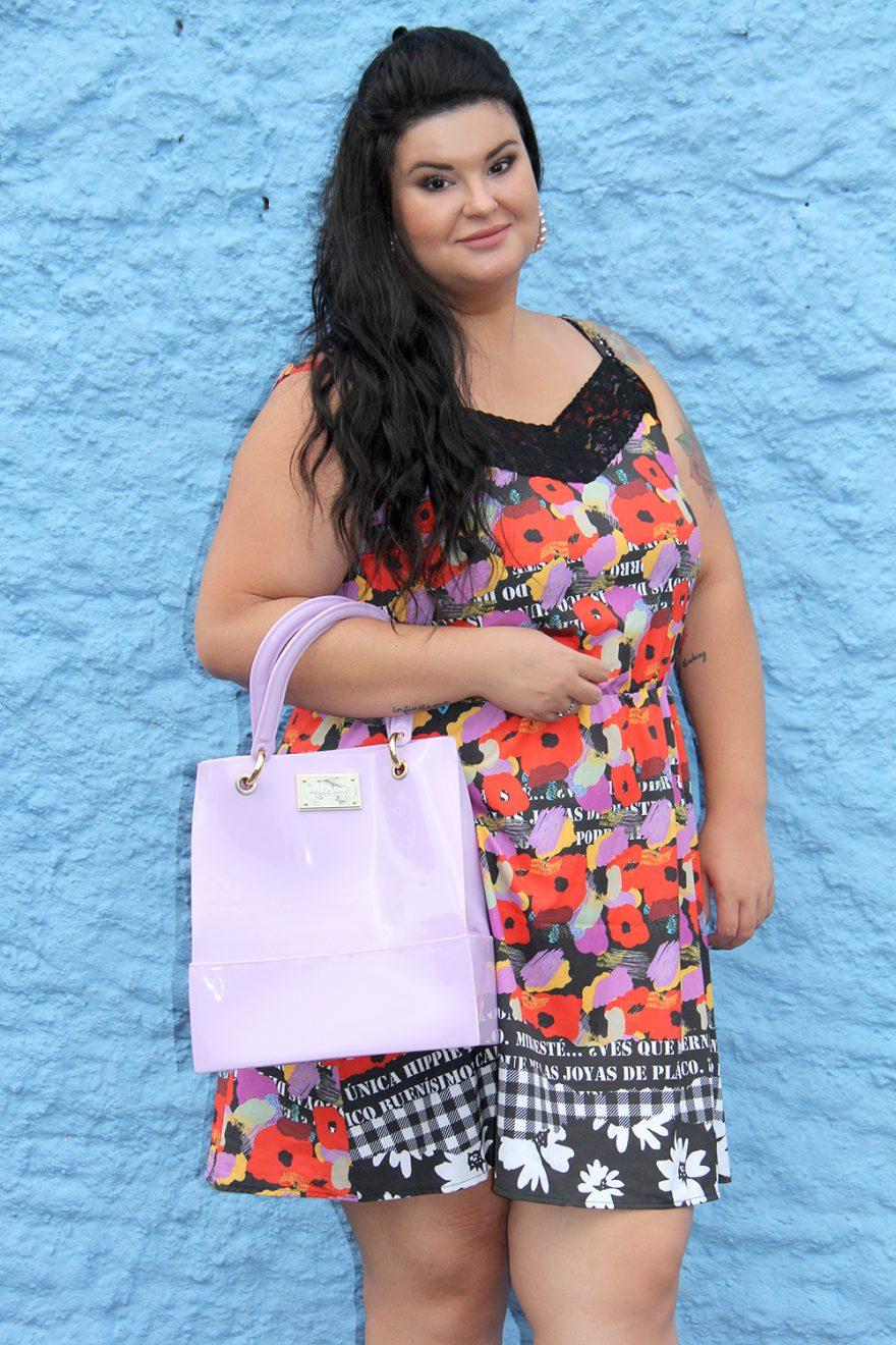 Vestido colorido ChicaBolacha: uma dica de look plus size bem gracioso e fresquinho para curtir o verão!