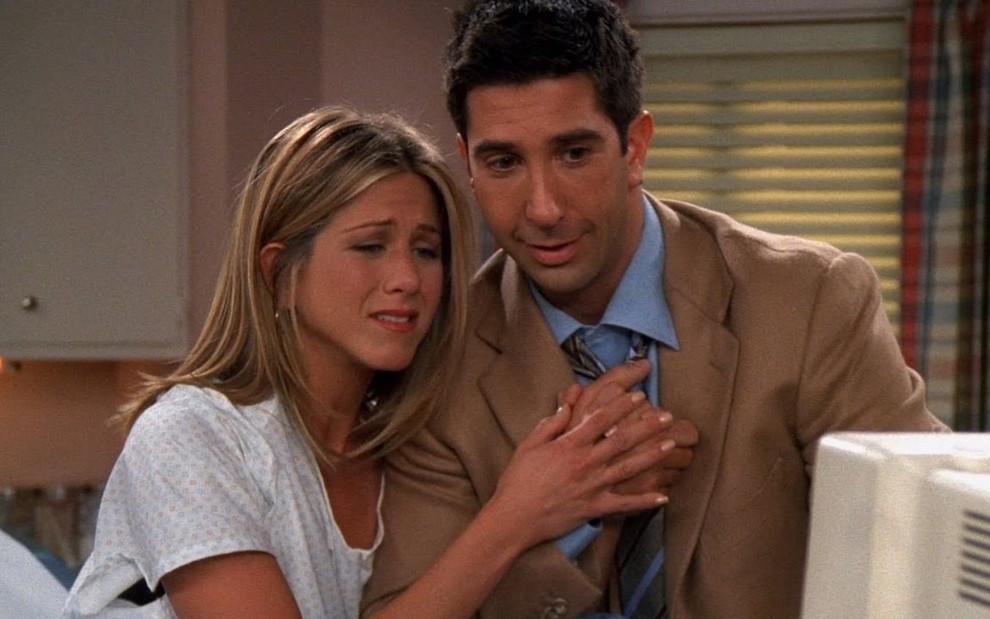 Rumores que Jennifer Aniston e David Schwimmer estão namorando